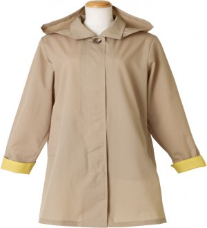 Ladies Soutien Collar Raincoat in Beige